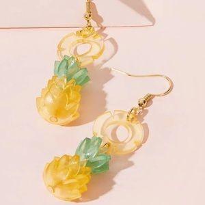⭕️ 3/$20! Acrylic pineapple earrings